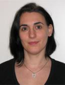 Claudia Rinck, ihres Zeichens Lebensmittelchemikerin, ist nach einer fachjournalistischen Ausbildung zur Öffentlichkeitsarbeit der DECHEMA gekommen. - claudia-width-131-height-170
